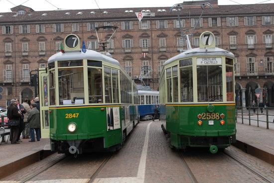 Linea 7 Storica: Il capolinea con i due tram che partono in direzioni opposte