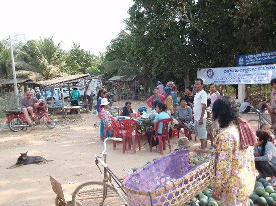 Nature-Cambodia: Small market / village (drink stop)
