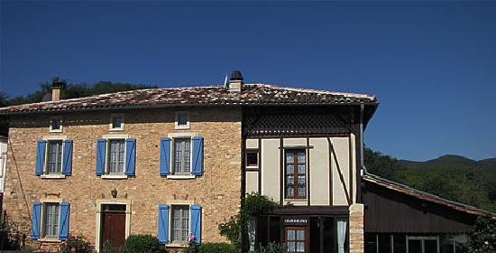 Villa Noue exterior - a lovingly refurbished French farmhouse.
