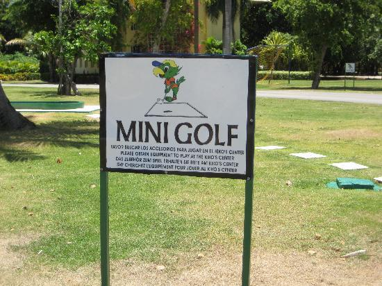Memories Splash Punta Cana: activities were available...mini golf, archery, tennis, pool, etc.