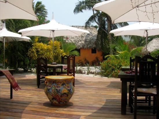 Matachica Resort & Spa: Outdoor dining