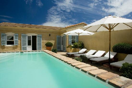Auberge Burgundy: Swimming pool