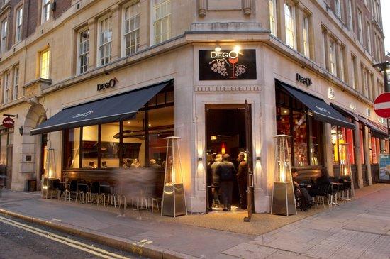 Dego Restaurant and Winebar : Outside terrace