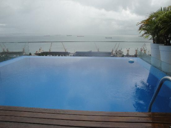 Aram Yami Hotel: Vista da piscina privativa da suíte