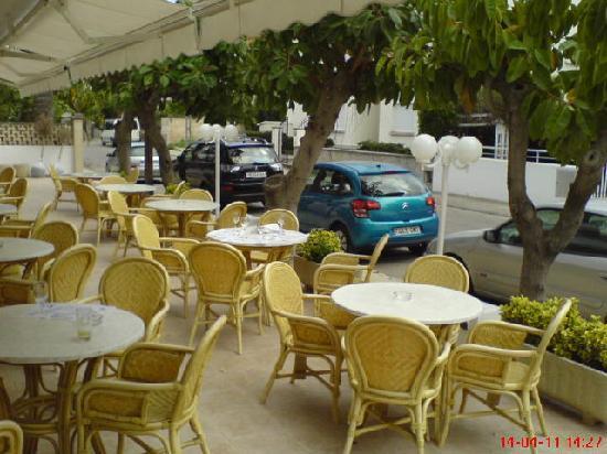 Hotel Villa Singala: Outside terrace...