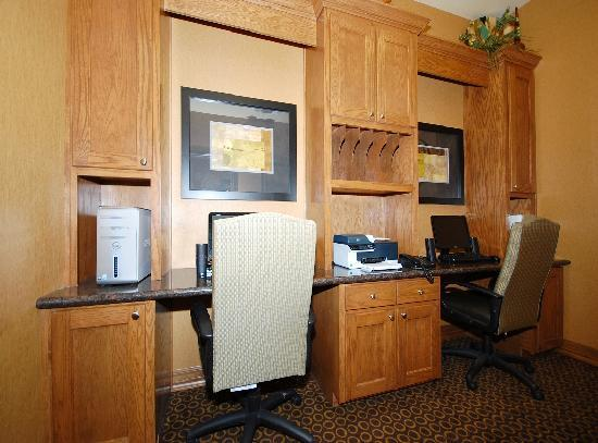 BEST WESTERN PLUS Christopher Inn & Suites: Enjoy access to our 24-hour Business Center