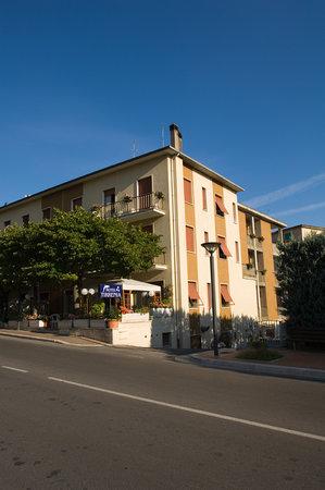 Hotel Tirrenia: esterno