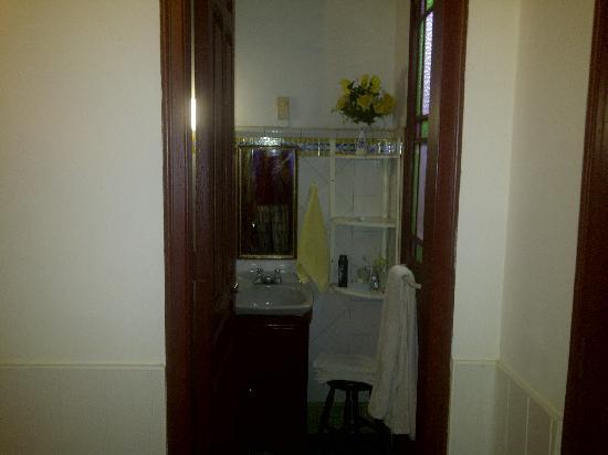 Casa Particular Mirtha y Candido: Bathroom