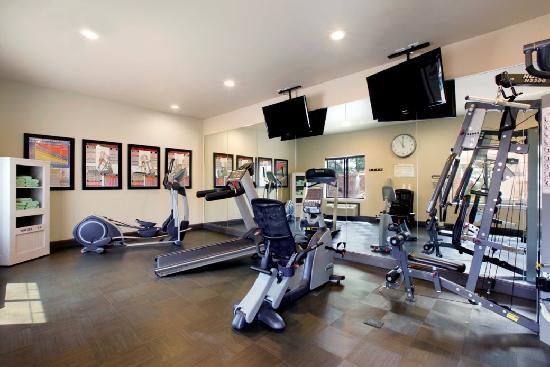 Best Western PREMIER Crown Chase Inn & Suites: Enjoy a workout in our 24-hour Fitness Center