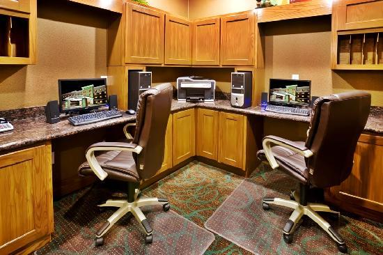 Holiday Inn Hotel & Suites McKinney - Fairview: Enjoy access to our 24-hour Business Center