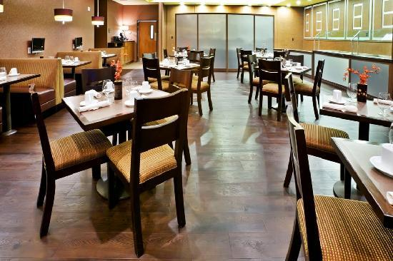 Holiday Inn Hotel & Suites McKinney - Fairview: Dine-in or enjoy room service from M Restaurant