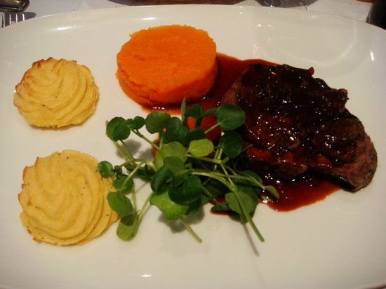 Ebury Restaurant & Wine Bar: Grilled Beef tournedos with duchess potatoes, carrot mousseline, shallot and Madeira sauce