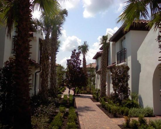 Capo D'Orlando Courtyard Area