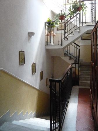 Villa Bruna B&B: corridor