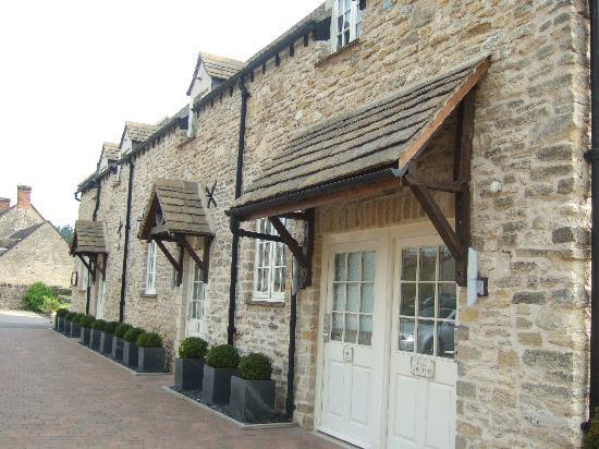 The Dashwood Hotel: Outside Shot of the Bedrooms