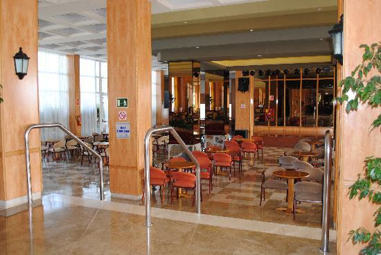 Aguamarina Golf Hotel: bar