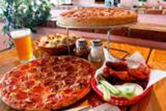 Miraculous Best Pizza In Phoenix Review Of Fatsos Pizza Phoenix Az Home Interior And Landscaping Elinuenasavecom