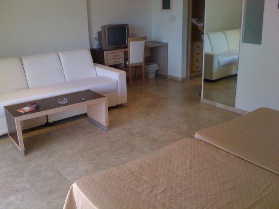 Dynastic Hotel: MAin room 1