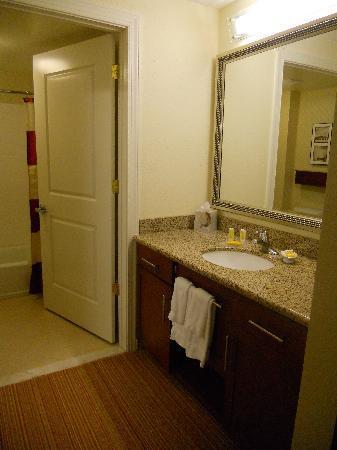 Residence Inn Florence: bath area