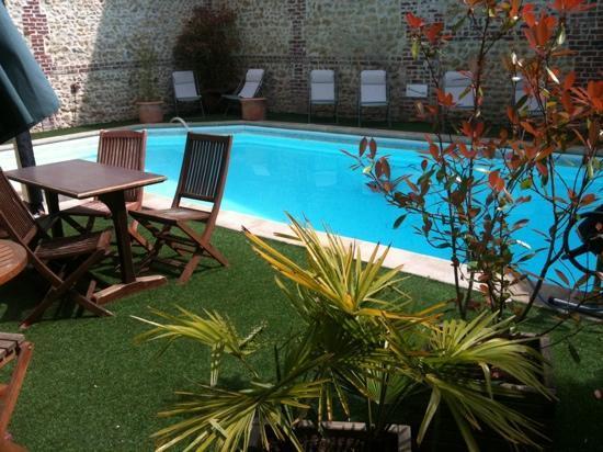 Residence La Loggia: piscine de l hotel