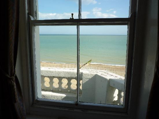 Langham Hotel: sea view
