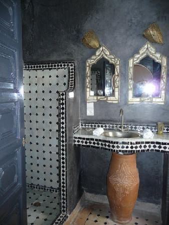 Riad Malaika : salle de bain chambre 7