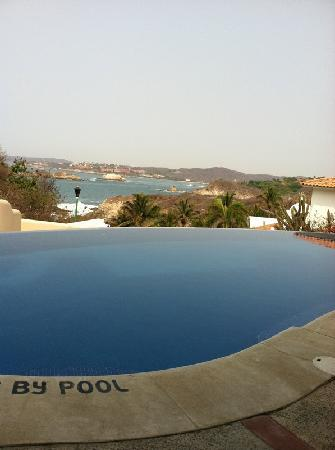 Villa Sol y Mar: View from the pool deck