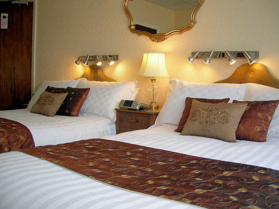 Pembroke Hotel: Bedroom 2 - Twin ensuite