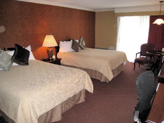 BEST WESTERN PLUS Humboldt House Inn: Double queen room