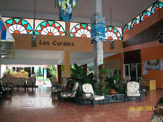 Club Amigo Carisol Los Corales: This is the lobby at Los Corales