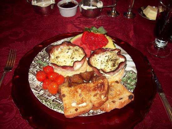 Qualicum House: a delious part of breakfast