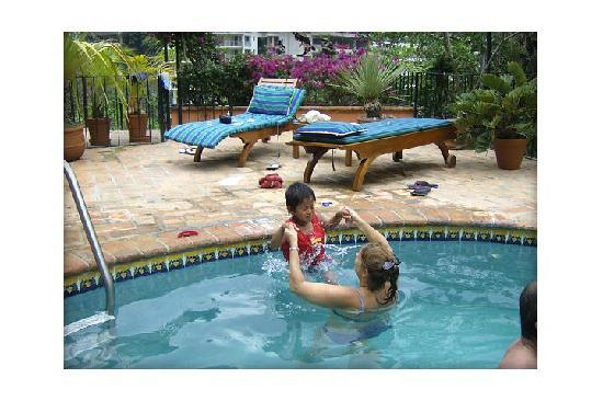 Villas Dos Primos: the pool area