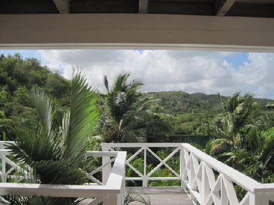Galley Bay Resort: The view out the back side of our unit