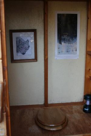 Wolfridge Bed & Breakfast: Artwork in the Outhouse