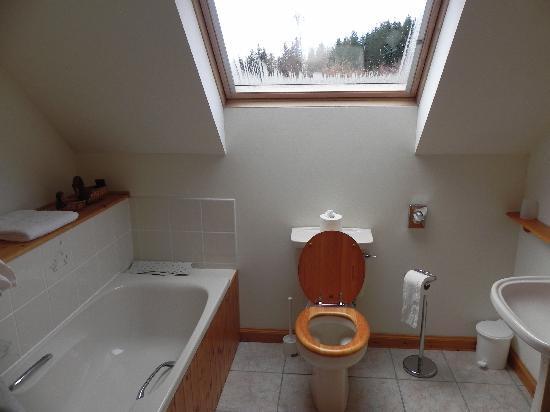 Kinbrylie: Great bathroom!