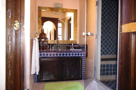 salle de bain avec hammam le riad photo de cap d 39 agde agde tripadvisor. Black Bedroom Furniture Sets. Home Design Ideas