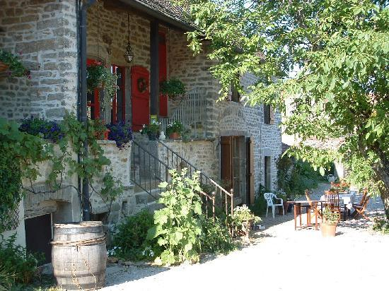Saint-Sernin-du-Plain, France: la maison