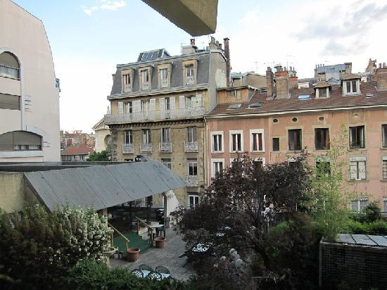 Ibis Grenoble Centre: Ibis View