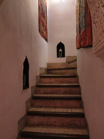 Riad Dar Eliane: The stairs to the first floor