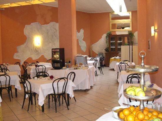 Hotel Italia: Blick ins Hotelrestaurant