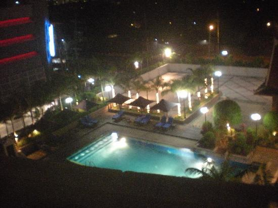 Dusit Thani Manila: outside our window