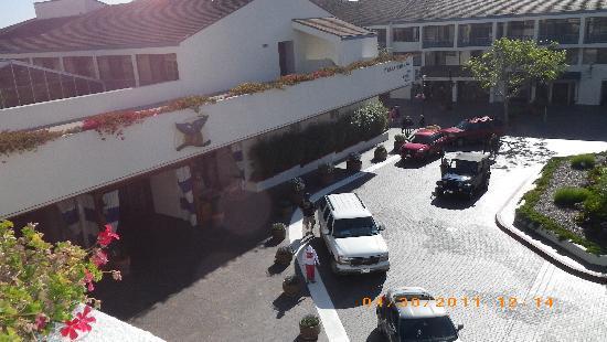 Portola Hotel & Spa at Monterey Bay: Arrival area