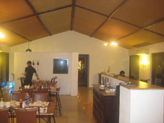 Club Mahindra Gir Resort: Restaurant