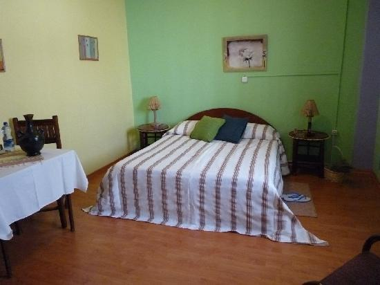 Family Cozy Bed And Breakfast: double bed