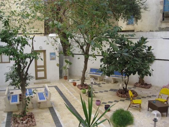 Grand Hotel de France: Courtyard