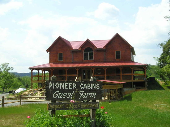 Pioneer Cabins & Guest Farm: Welcome to Pioneer Cabins