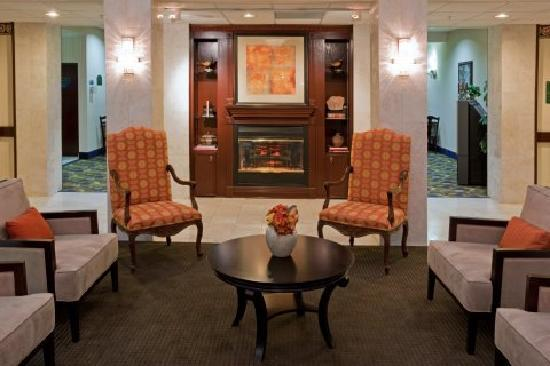 Quality Inn & Suites IAH Bush Airport – East: Lobby