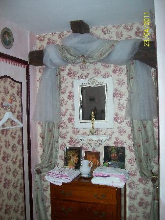 La Tourangelle: notre chambre rose