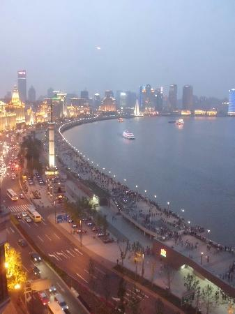 Les Suites Orient, Bund Shanghai: Another gorgeous view