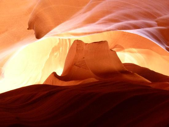 Overland Canyon Tours : Antelope canyon